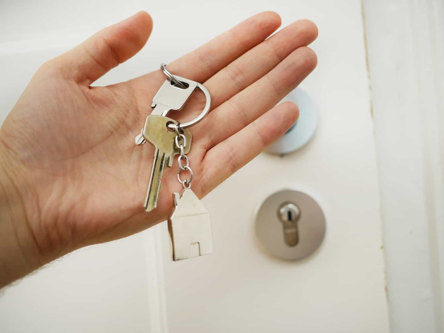 10 Cheap Housing Alternatives to Live Alone or With Family